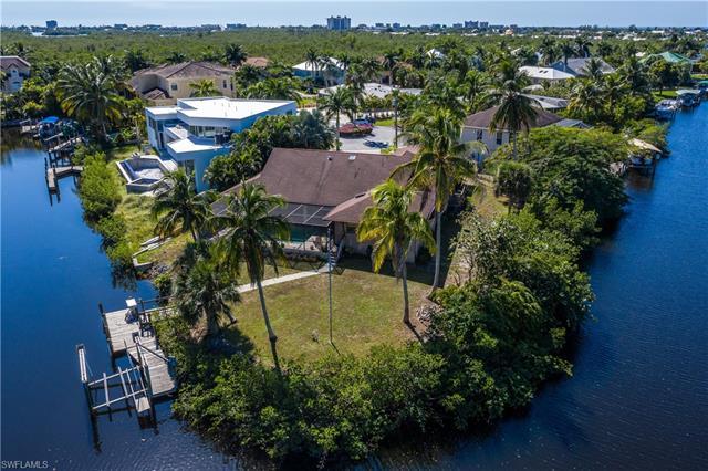 17911 Palm Cir, Fort Myers Beach, FL 33931