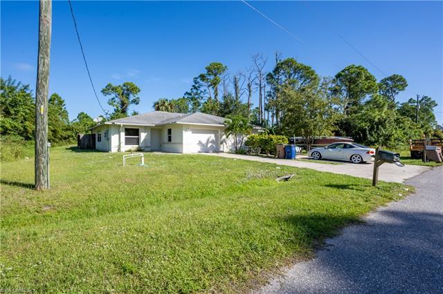863/865 Apartment St E, Lehigh Acres, FL 33974