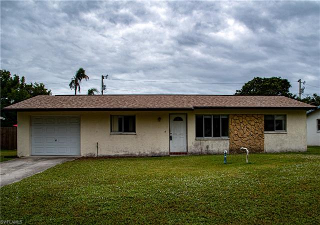 307 Lakeview Dr, North Fort Myers, FL 33917