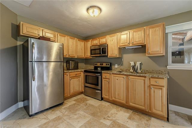 2211 Cook Ln, Alva, FL 33920