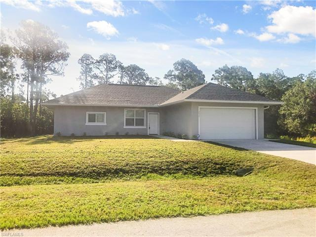 2022 Robert Ave, Alva, FL 33920