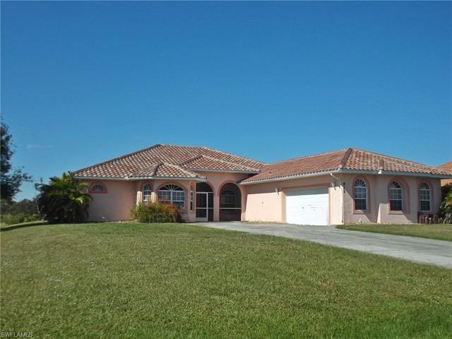 911 Highland Ave, Lehigh Acres, FL 33972