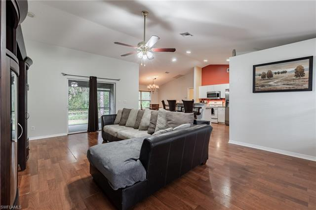 2105 Roosevelt Ave, Alva, FL 33920