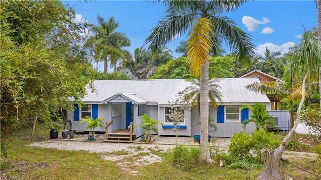 5425 Maria Dr, St. James City, FL 33956