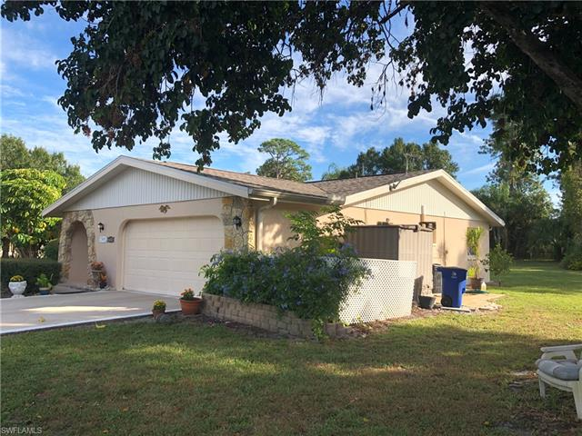 6440 Pine View Rd, North Fort Myers, FL 33917