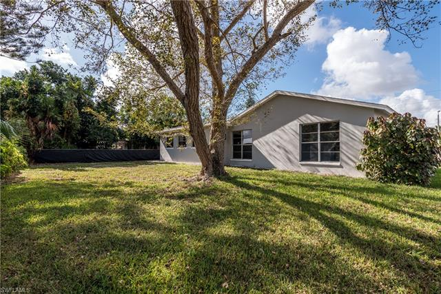 1086 Lovely Ln, North Fort Myers, FL 33903