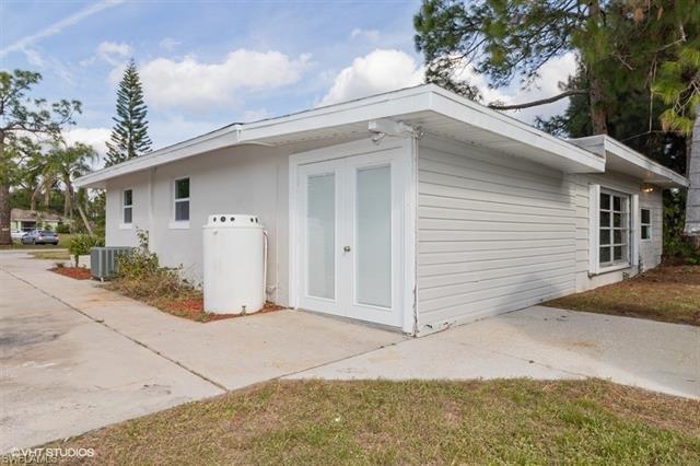2206 Wyandotte Ave, Alva, FL 33920