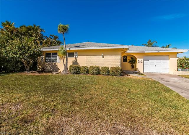 271 Sterling Ave, Fort Myers Beach, FL 33931