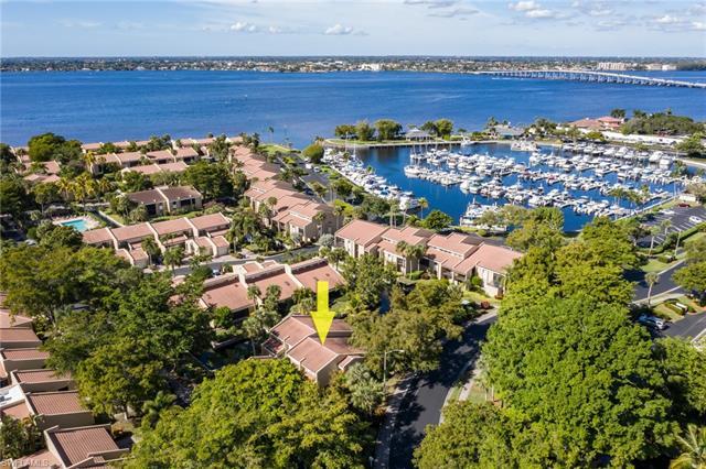 4710 Harbortown Ln, Fort Myers, FL 33919
