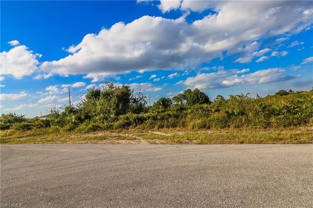 1607 Connie Ave S, Lehigh Acres, FL 33976