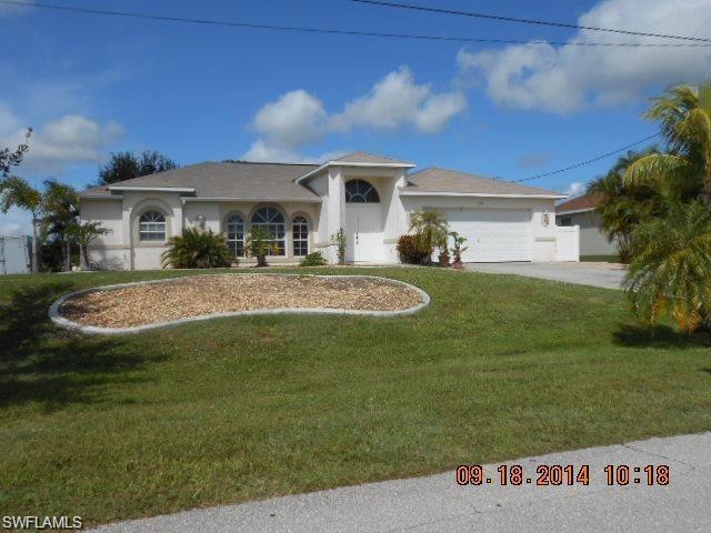 302 Nw 15th Pl, Cape Coral, FL 33993
