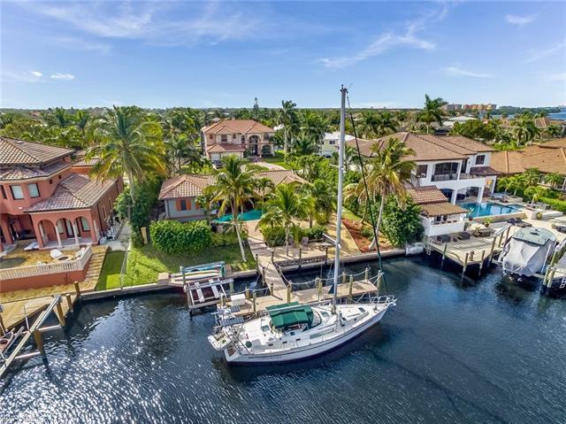 833 Cypress Lake Cir, Fort Myers, FL 33919