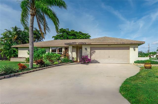 201 Sw 33rd St, Cape Coral, FL 33914