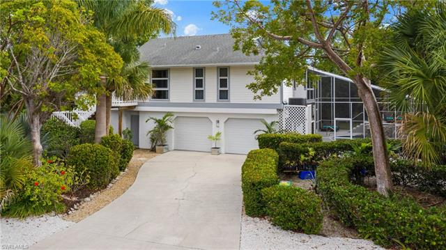 9418 Moonlight Dr, Sanibel, FL 33957