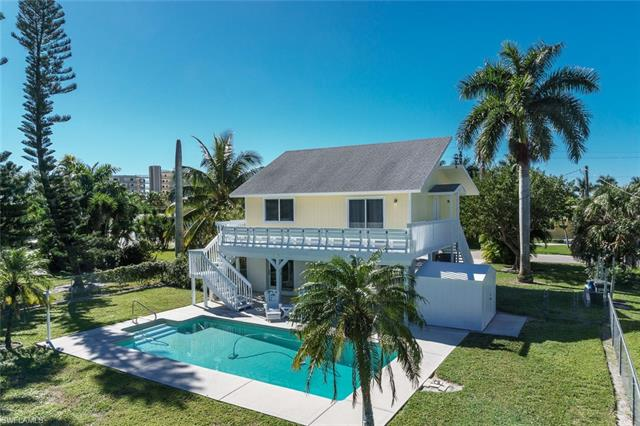 140 Estrellita Dr, Fort Myers Beach, FL 33931