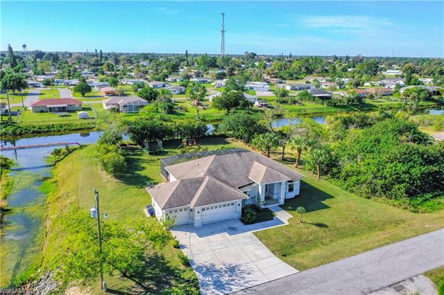 400 Harrison Dr, Lehigh Acres, FL 33936