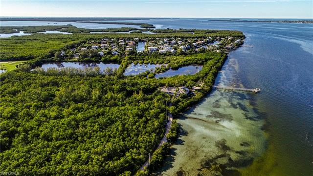 1349 Bay Dr, Sanibel, FL 33957