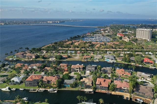 854 Cypress Lake Cir, Fort Myers, FL 33919