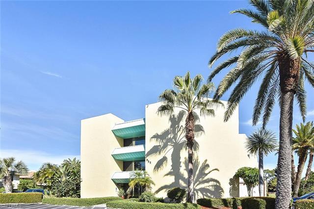 955 Palm View Dr B-110, Naples, FL 34110