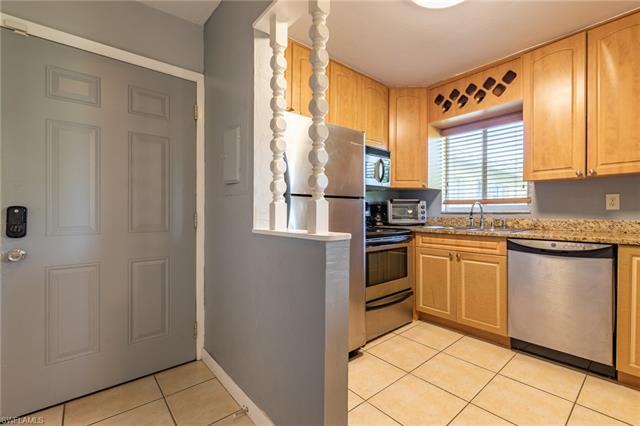 8162 Country Rd 203, Fort Myers, FL 33919