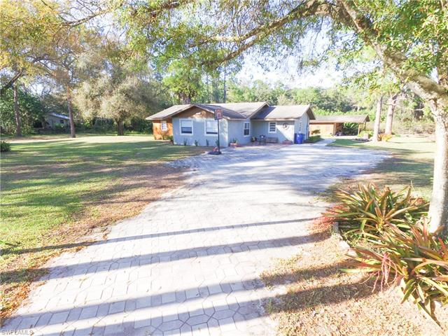 18371 Durrance Rd, North Fort Myers, FL 33917