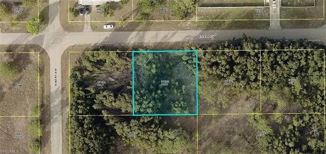 2502 E 14th St, Lehigh Acres, FL 33972