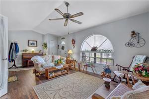 987 Graystone Ave, Lehigh Acres, FL 33974