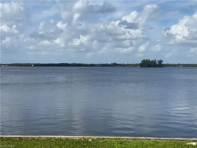 6 Live Oak Ln, Fort Myers, FL 33905