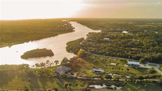 15860 River Creek Ct, Alva, FL 33920