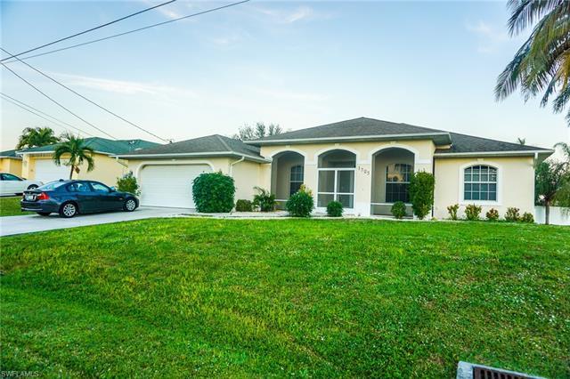 1725 Sw 10th Ave, Cape Coral, FL 33991