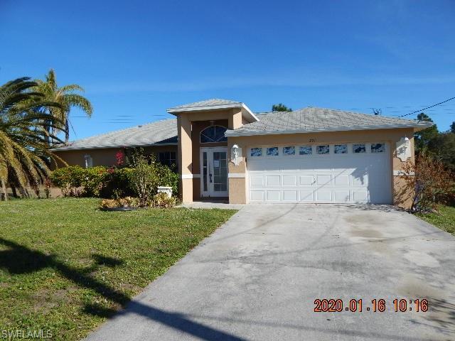 231 Rue Labonne Rd, Fort Myers, FL 33913