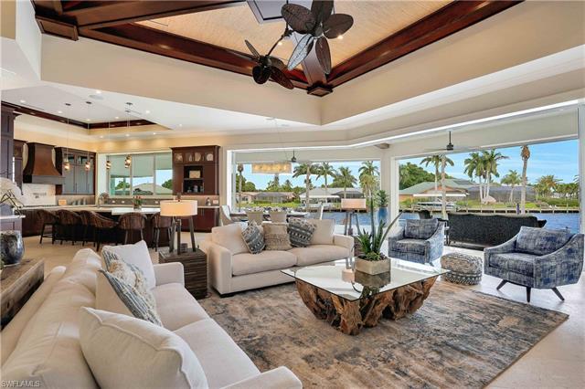 5611 Riverside Dr, Cape Coral, FL 33904