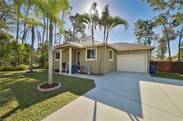 10660 Woodchuck Ln, Bonita Springs, FL 34135
