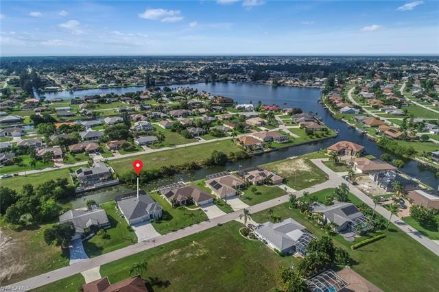 1218 Sw 2nd Pl, Cape Coral, FL 33991
