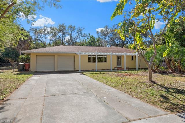 1344 Coconut Dr, Fort Myers, FL 33901