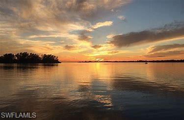 3349 Riverside Dr N, Fort Myers, FL 33916