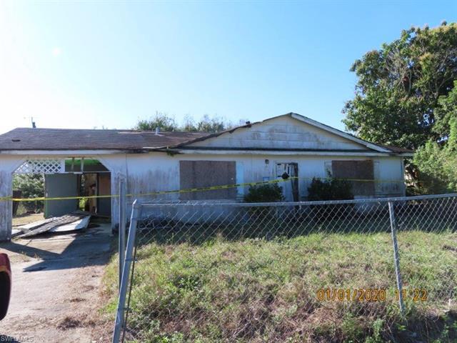 829 Edison Ave, Labelle, FL 33935