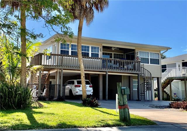 960 San Carlos Ct, Fort Myers Beach, FL 33931