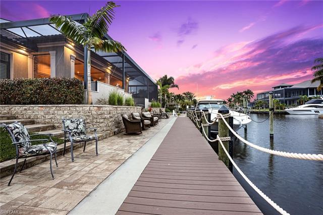 5618 Riverside Dr, Cape Coral, FL 33904