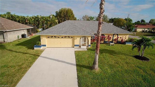 417 Se 30th Ter, Cape Coral, FL 33904