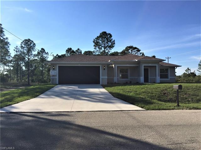 923 Pine Ave, Lehigh Acres, FL 33972