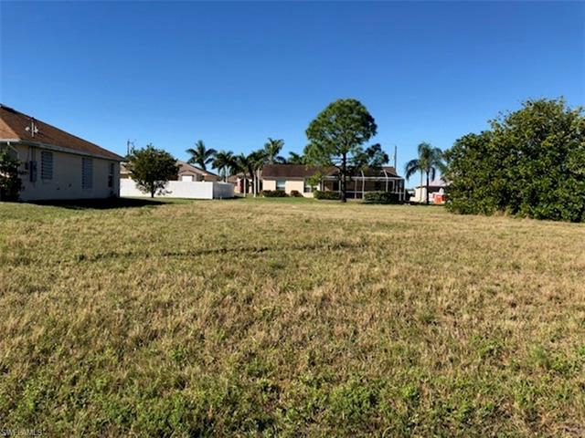 1424 Nelson Rd N, Cape Coral, FL 33993