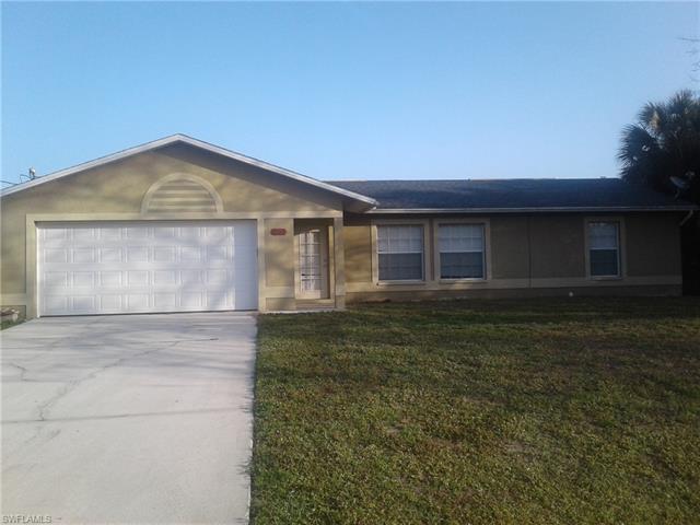 3712 Kilarney St, Fort Myers, FL 33905