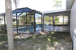 706 Sw 10th Pl, Cape Coral, FL 33991