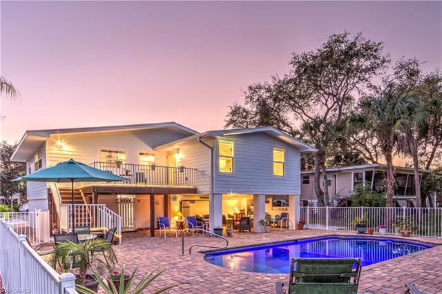 5471 Oak Ridge Ave, Fort Myers Beach, FL 33931