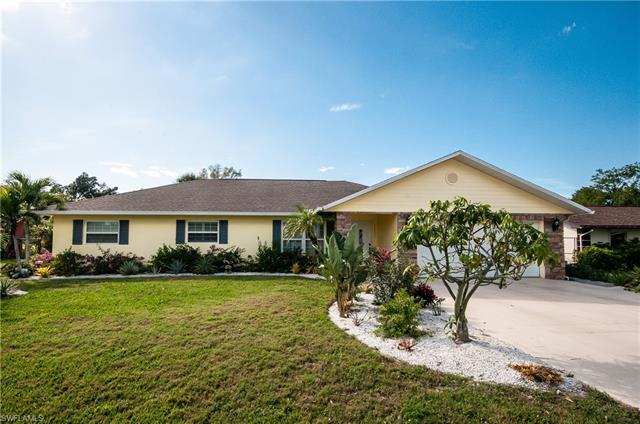 27297 Buccaneer Dr, Bonita Springs, FL 34135