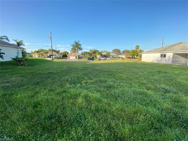 1310 Sw 11th St, Cape Coral, FL 33991