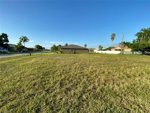 801 Sw 9th Ave, Cape Coral, FL 33991