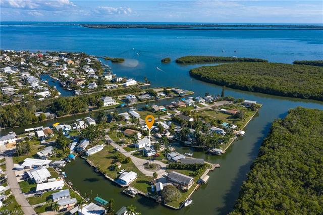 3939 George Sawyer Ln, St. James City, FL 33956