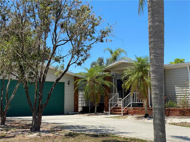 10696 Timber Pines Ct, North Fort Myers, FL 33903